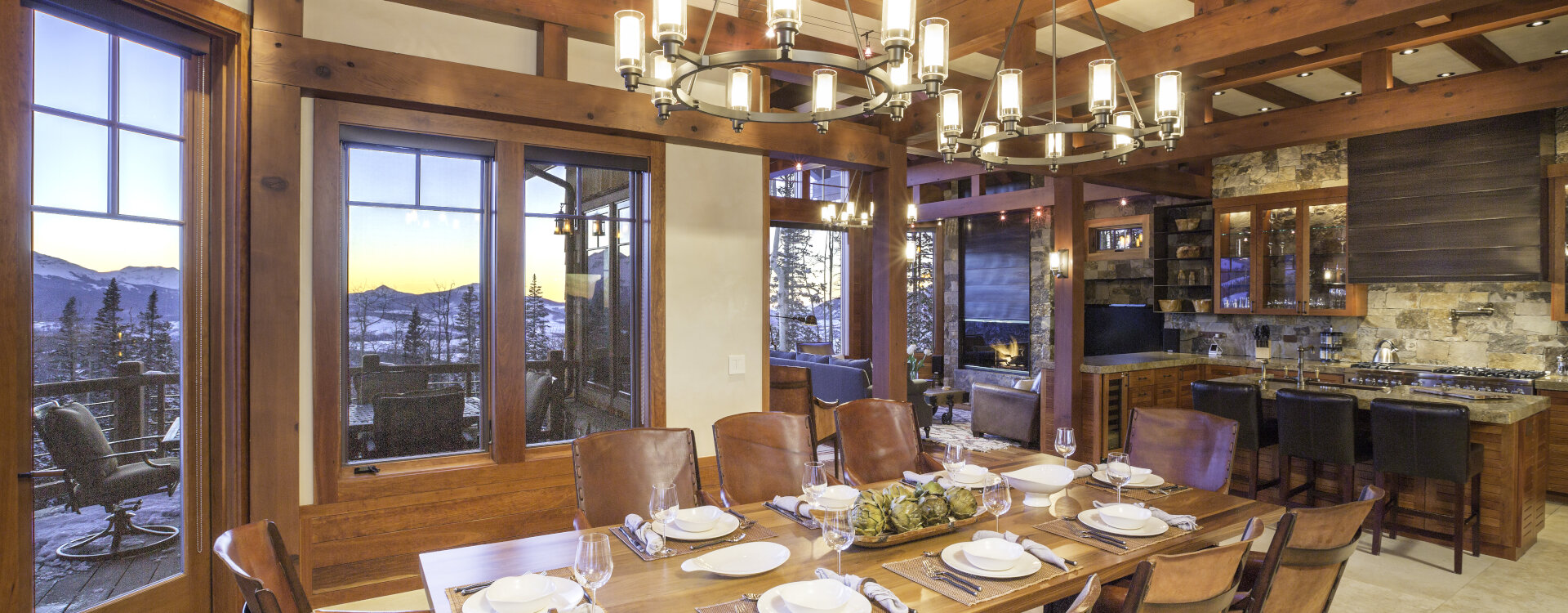 2.01-telluride-cabin-on-the-ridge-dining-room-view-lone-cone